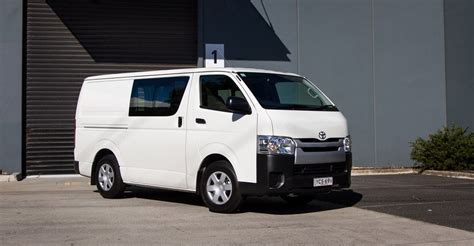 toyota hiace 2015 2015 toyota hiace crew review caradvice