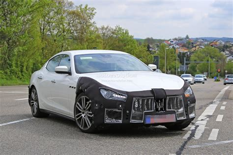 ghibli maserati 2018 2018 maserati ghibli facelift spied up is this the