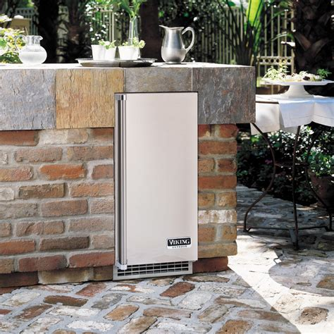 Outdoor Kitchen Refrigerator by Outdoor Kitchens Grills Smokers