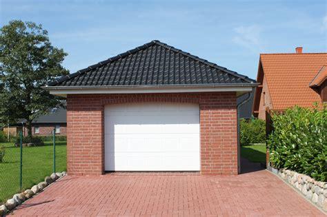 Carport Mit Garage 2990 by Carport Mit Garage Garage Mit Carport Am Haus Garagen