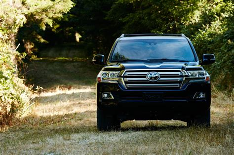 toyota land cruiser black 2016 toyota land cruiser first look review motor trend