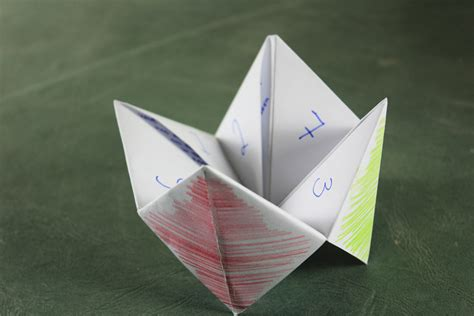 How To Make A Paper Chatterbox - easy origami
