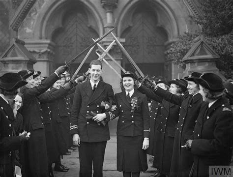 Greenock Records All Naval Wedding 10 January 1942 Greenock Third Officer Joan Rouff Of The Wrns