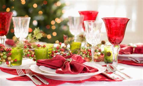 tavolo natale come apparecchiare la tavola il giorno di natale leitv