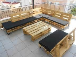 pallet sectional sofa pallet sectional for outdoors 99 pallets