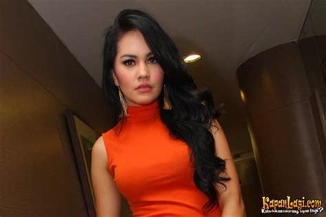 poto tato menteri susi kartika putri pamer memek artis indonesia
