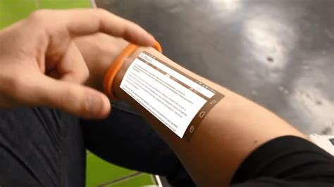 Gelang Kulit Bernama gelang canggih ini bisa mengoperasikan android di kulit