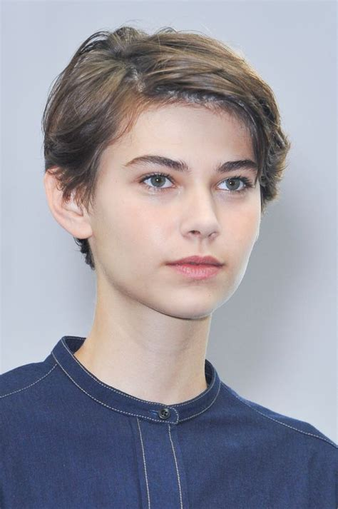 short haircuts for butch women haircuts 35 androgynous gay and lesbian haircuts with modern edge