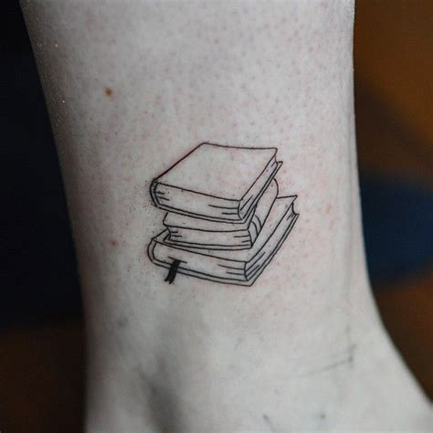 stack of books tattoo best 25 book ideas on reading