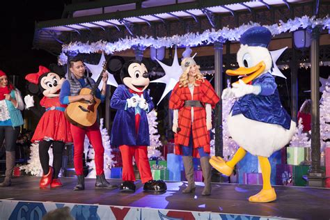 christmas light up in fashion island mickey mouse friends light up the season at fashion island orange county zest