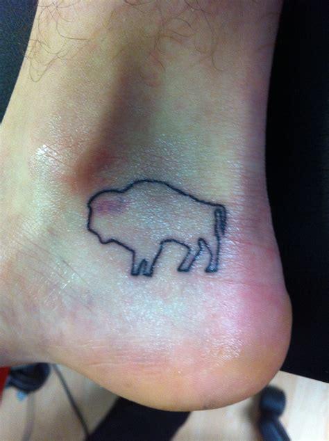 tattoo buffalo ny buffalo outline on the foot ankle cowpok tattoos