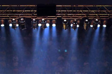 Stage lights 12 On WinLights.com   Deluxe Interior