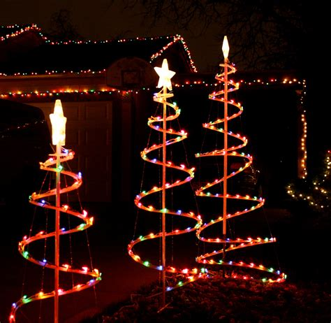 ideas for outdoor christmas tree decorations lighted trees