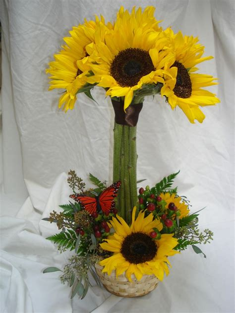 sunflower arrangements ideas daisy flower arrangement centerpieces sunflower topiary