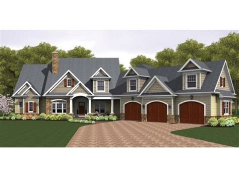 colonial house plan with 3247 square feet and 4 bedrooms