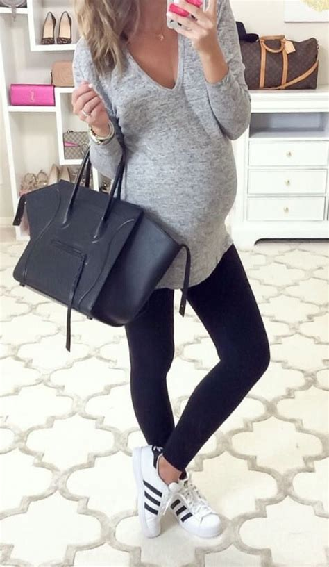 comfortable hairstyles for giving birth 25 best ideas about maternity outfits on pinterest