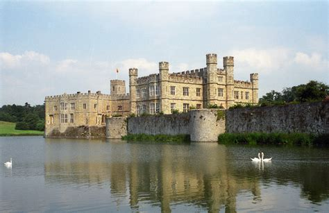 most beautiful english castles top 60 tourist attractions in the united kingdom 1 5