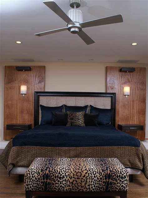 leopard bedroom ideas 15 lovely bedroom ideas with leopard accents homedizz