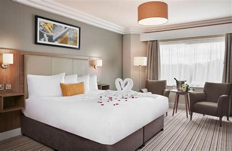 booking hotel rooms for wedding book a wedding venue leicestershire jurys inn