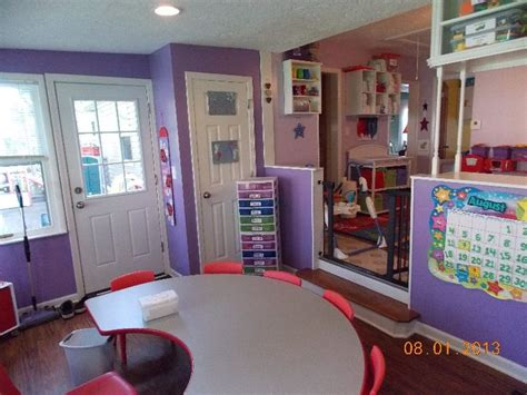 Home Daycare Decor by Best 20 Daycare Room Design Ideas On Home