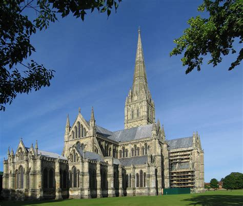 Gothic Church Floor Plan by 35 Majestic Photos Of Salisbury Cathedral In England