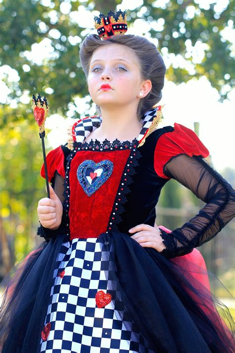 How To Do Queen Hairstyles | red queen queen of hearts halloween hairstyles cute