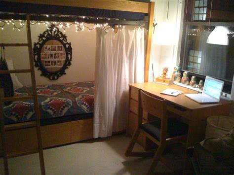 curtains for dorms best 25 curtains around bed ideas on pinterest small
