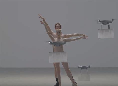 Faire Un Plan En 3d 3877 by Danse Nue Avec Des Drones Pour Vendre Des V 234 Tements