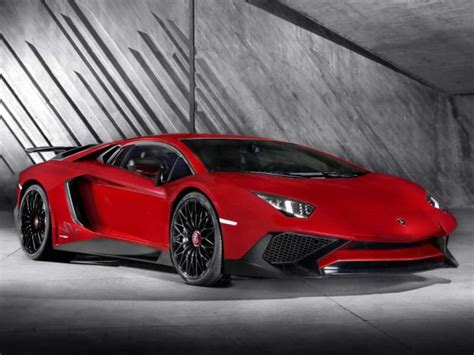 lifted lamborghini covers lifted off the lamborghini aventador lp 750 4 sv