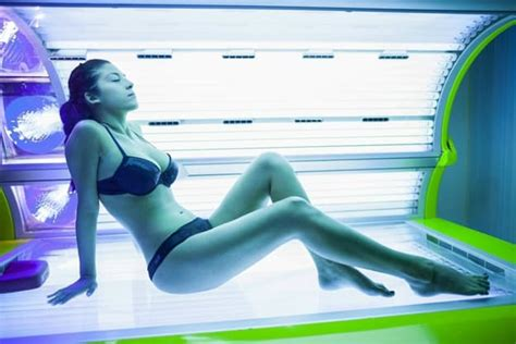 how to lay in a tanning bed how to lay in a tanning bed no missed spots tanning lotion