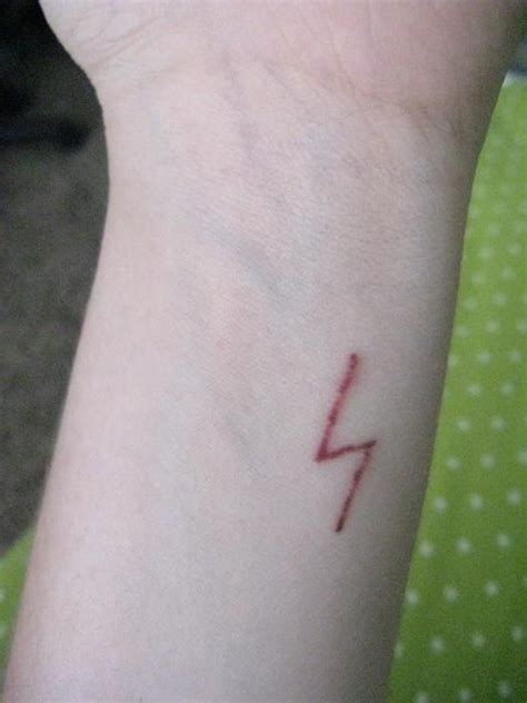 lightning tattoo scar best 25 harry potter scar ideas on