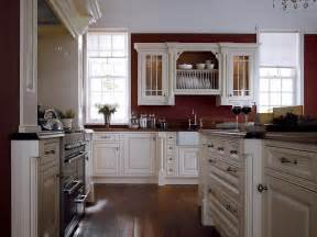 White Kitchen Cabinets What Color Walls White Cabinets And Moldings Contrast Perfectly With