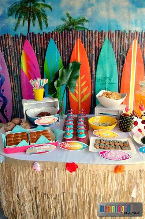 Hawaiian Decorations Ideas by Oltre 1000 Idee Su Luau Costume Su Costumi E