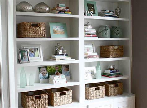 decorating a bookshelf the yellow cape cod four simple steps to a great bookcase