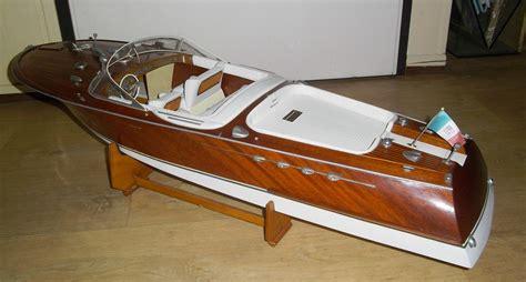 bouwpakket motorboot boten modelbouw hobby