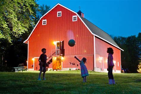 iowa working  save historic barns   york times