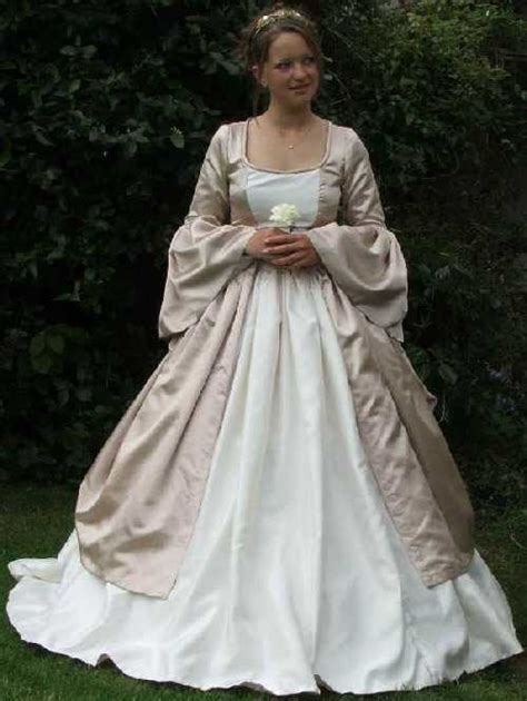 Renaissance Style Wedding Dresses by Wedding In Renaissance Style Wedding Planner Tuscany