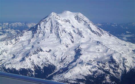 beautiful landscape   airplane  mountain