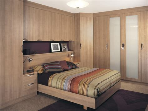 Fitted Bedroom Design 30 Fitted Wardrobes Capitalbedrooms Co Uk