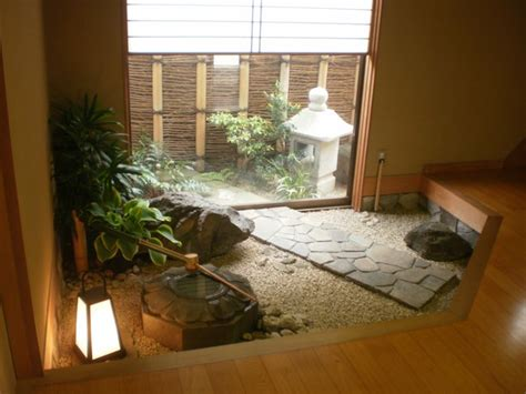 japans urban dwellings corners  serenity