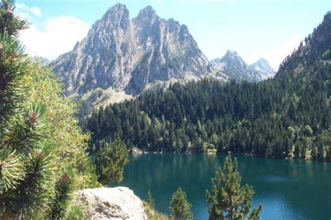 aigã estortes estany de sant maurici national park pyrenees spain 1 25 000 trekking map alpina books parque nacional de aiguestortes