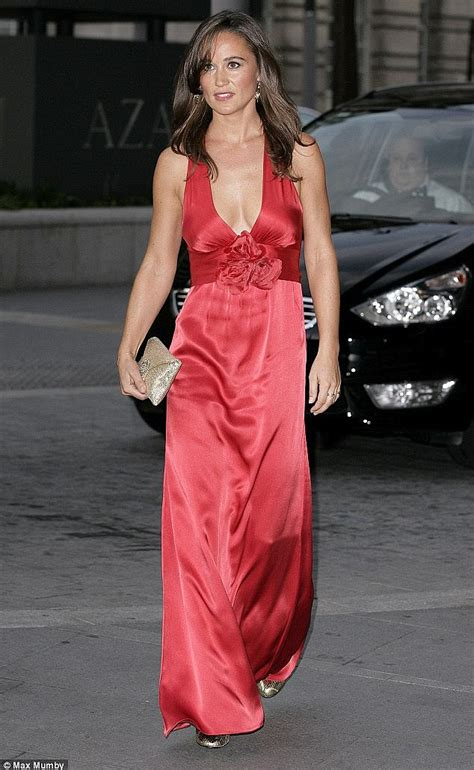pippa middleton dress did pippa s dress inspire party pieces christmas outfits