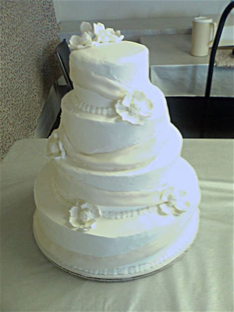 fondant icing wedding cake the bakery wedding 3 d and other specialty