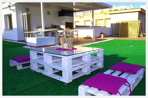 Outdoor Sitting Area Ideas by Puffs De Pera Y Muebles De Palets Para Jard 237 N Piscinas Y