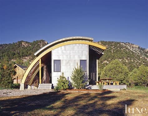 curved cabins this curved cabin was designed by lea sisson and built by