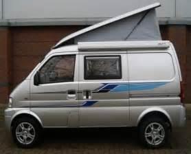 Mini van aménagé Voyage de manière économe