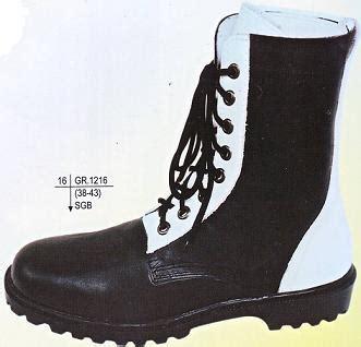 Aneka Merk Sepatu Safety sepatu berlabel safety fitriachan21