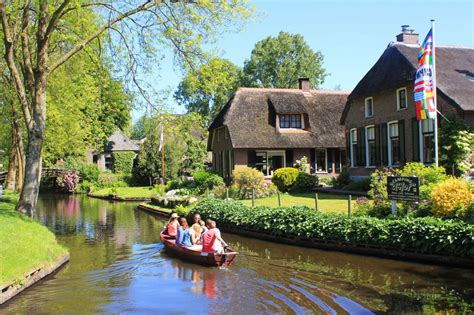 where are america s best european villages intelligent visit giethoorn the picturesque dutch village with no