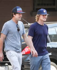 owen wilson and his brother owen wilson bonds with brother luke amid father s