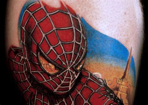 spiderman and his tattooed clone this spider shows the city he protects
